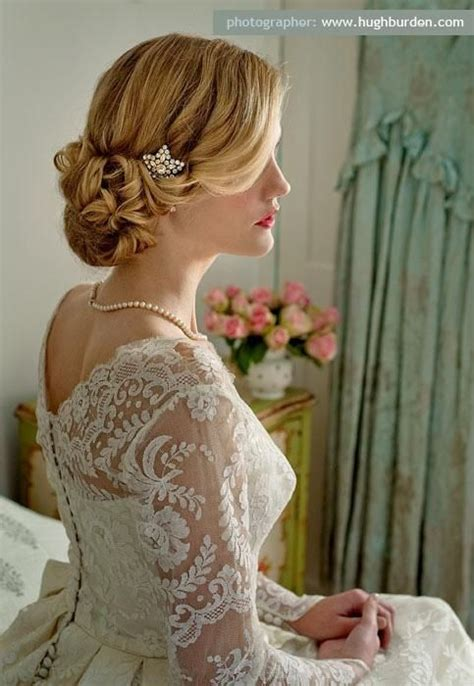 Wedding Hairstyles For Vintage Dresses by Wedding Hairstyles Vintage Inspired Updo Bun With Hair