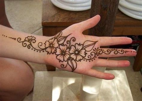 16 simple and elegant mehandi designs for your hands