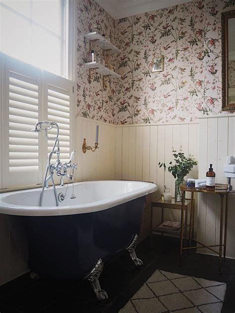 cole  son hummingbirds wallpaper   bathroom