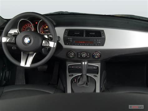 bmw z4 dashboard image 2006 bmw z4 series z4 2 door coupe 3 0si dashboard