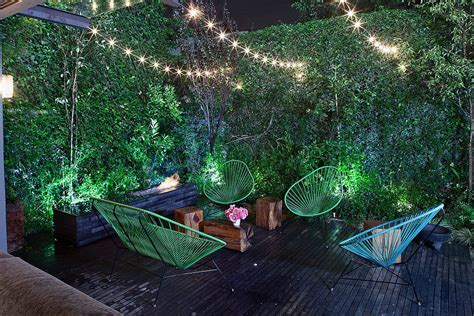 Sizzling Style How To Decorate A Stylish Outdoor Hangout Cool Outdoor String Lights