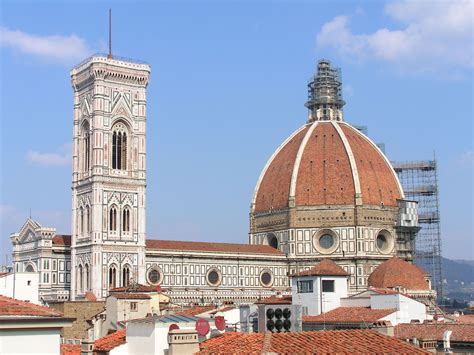 fiore italia florence italy il duomo scaffolded overview oh the