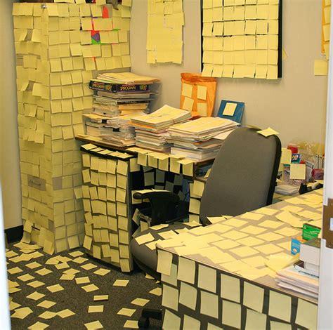 Funny Office Prank Video Funny Office Powerclips Office Desk Prank