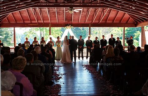 Pine Carriage House Wedding by Pine Mansion And Carriage House Wedding Photography