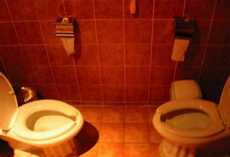 cool toilets funny unusual and cool toilets 99 pics