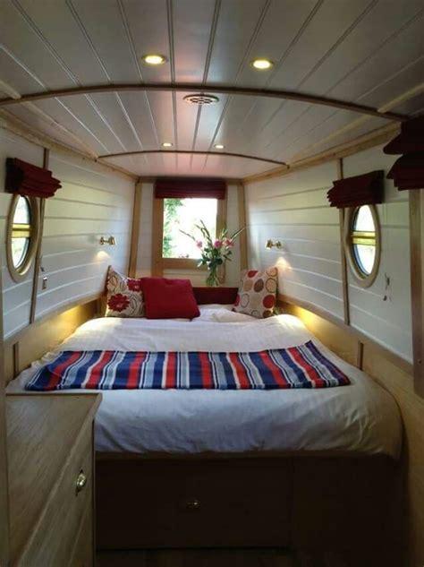 boat decorating ideas best 25 houseboat decor ideas on pinterest lake decor