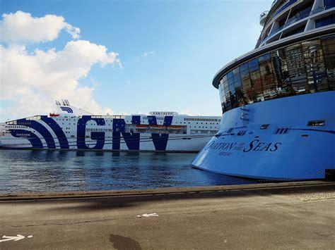 porto genova grandi navi veloci traghetti gnv grandi navi veloci preventivo offerte e