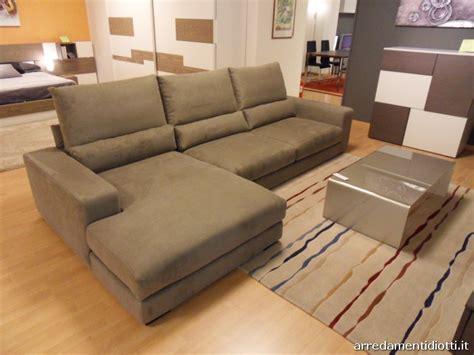 divani diotti divano altopiano con schienale movibile diotti a f