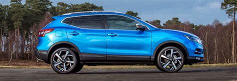 nuovo nissan qashqai 2018 2018 nissan qashqai facelift price specs release date carwow