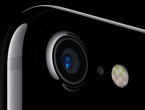 apple's launch of waterproof and wireless iphone 7 with no