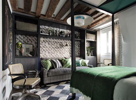 Harlequin Lewis In The Argentine S Bed Semalam Di Argentina bold and green apartment in pufik