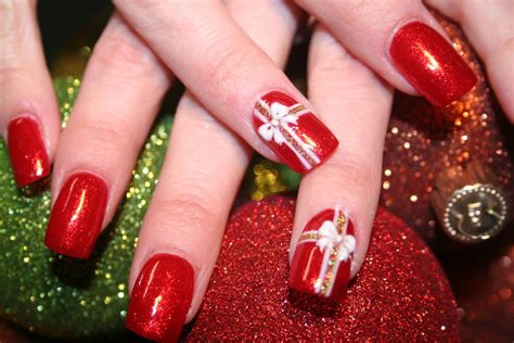 16 gorgeous and easy nail art ideas for christmas christmas celebrations
