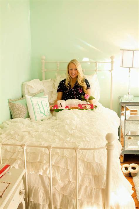 j crew bedding blog breakfast in bed i believe in pink