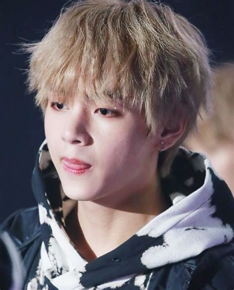 kim taehyung latest photos kim taehyung best handsome photos collection 2018