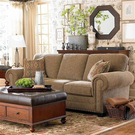 bassett club room sofa 17 best images about couch shopping on pinterest