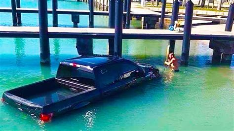 boat r gone wrong epic boat launch fails how you should launch your boat