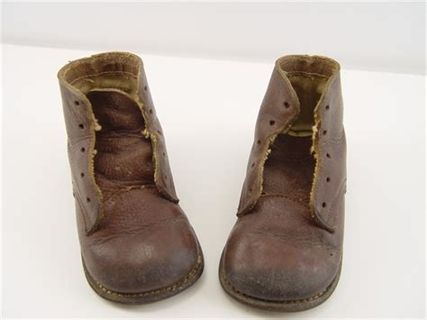 wrinkles antiques vintage 1930s brown leather high top