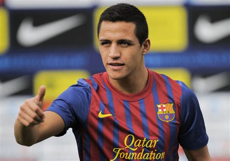 alexis sanchez inter transfer news fc barcelona forward alexis sanchez linked