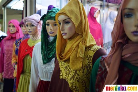 Busana Muslim Lebaran Pasar Foto Jelang Ramadan Busana Muslim Di Pasar Tanah Abang