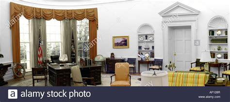 oval office white house the oval office at the white house in washington dc stock photo royalty free image 13796038