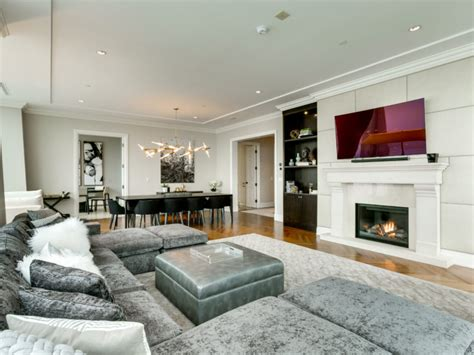 4 bedroom condo for sale toronto 4 million for a giant ritz carlton suite with a cn tower view