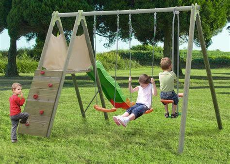 altalene in legno da giardino per bambini struttura gioco in legno da giardino ciclamino 2 altalene