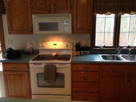 What Color Laminate Countertop To Go With Oak Cabinets
