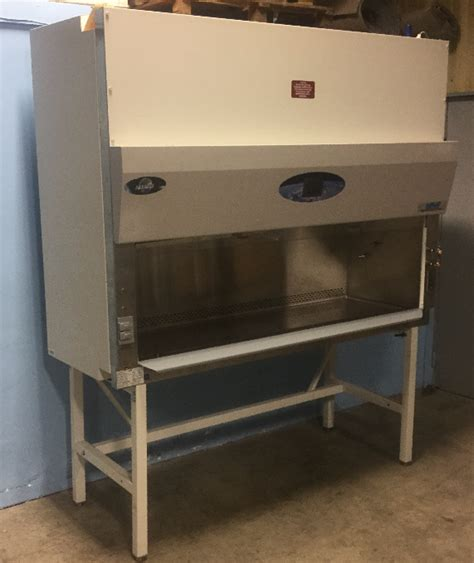 used nuaire biological safety cabinet refurbished nuaire labgard es nu 435 600 class ii type b2
