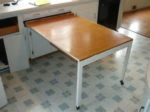Counter Kitchen Tables Great Space Saving Idea The Built In Kitchen Table Shown Left The Top Of The Table Folds In