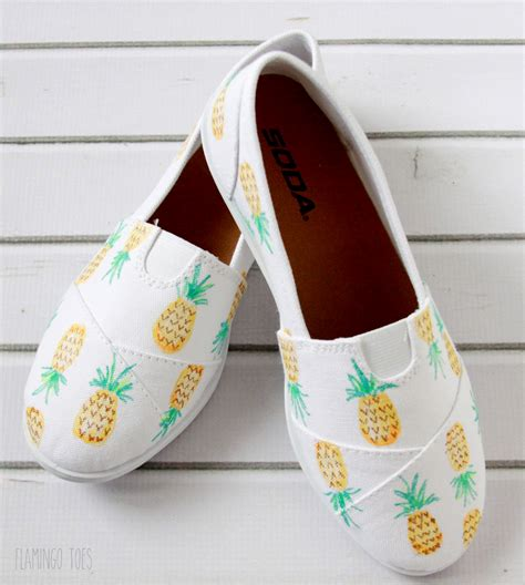 shoes diy design diy painted pineapple shoes