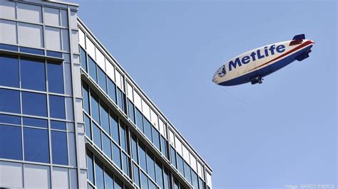 Metlife Corporate Office by Metlife Taking Another Floor At Building In