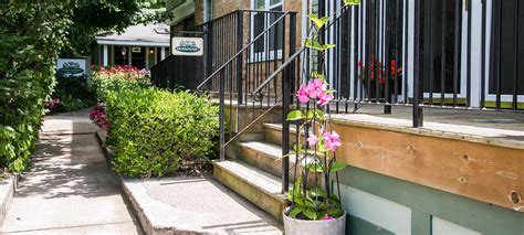 garden cottages saugatuck bed and breakfast in downtown saugatuck michigan