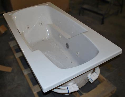 dual bathtub 32 quot x60 quot drop in dual jetted bathtub 8 water 22 air
