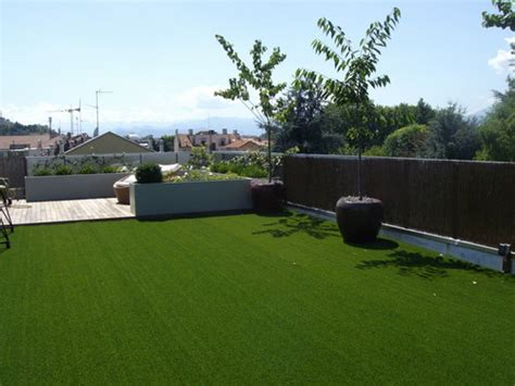 erba sintetica per terrazzi prezzi prato sintetico terrazzo semplice e comfort in una casa