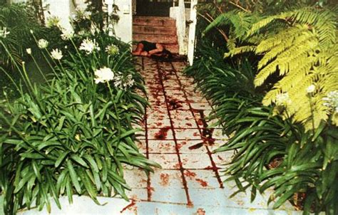 Nicole Brown Simpson Murder Scene   nicole simpson crime photos