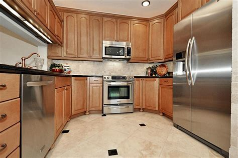 42 inch kitchen cabinets 8 foot ceiling rooms
