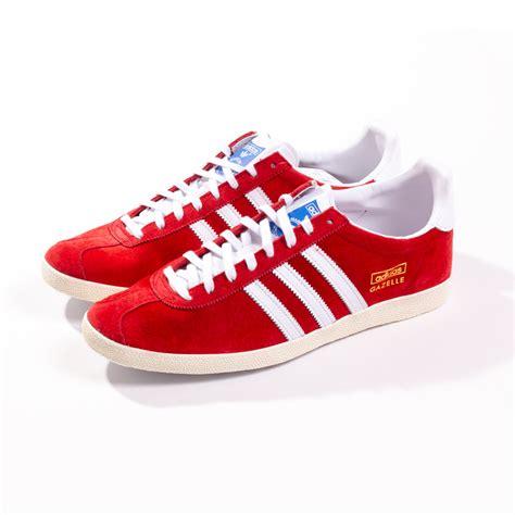 adidas gazelle og universal red trainers  rainy days