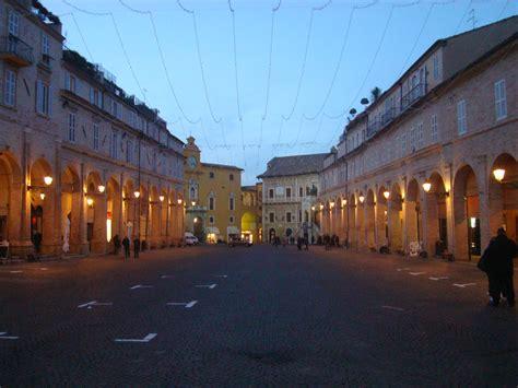 marche fermo file fermo piazzadelpopolo3 jpg