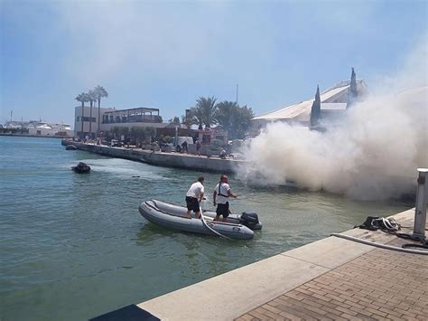 waterscooter ontploft boot ontploft in de haven ibiza vandaag