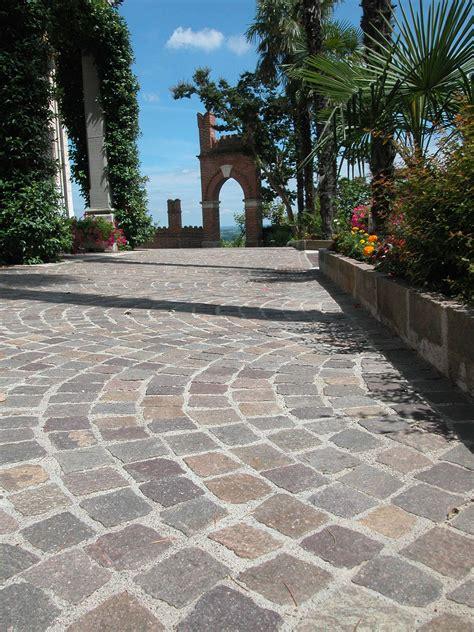 pavimenti per giardini esterni pavimentazione per esterno