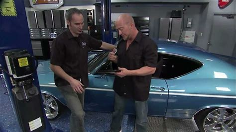 two guys garage clip willie demonstrates finding a car