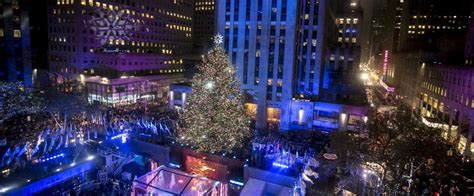 best 28 when do they light the rockefeller center