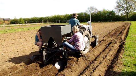 How To Make A Potato Planter by Potato Planting Wih A Ferguson Tef 20 And Ferguson Potato