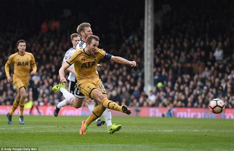 David Bentley Hat Trick Fulham 0 3 Tottenham Hotspur Hat Trick Wraps Up Win