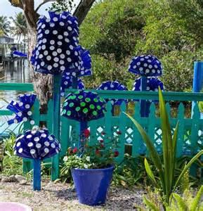 15 terrific diy glass bottle yard decor that will impress you the art in life