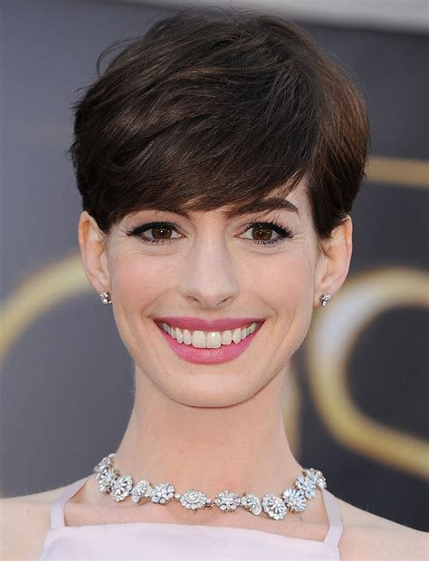 5 tricks to growing out a pixie cut stylecaster 5 tricks to growing out a pixie cut stylecaster