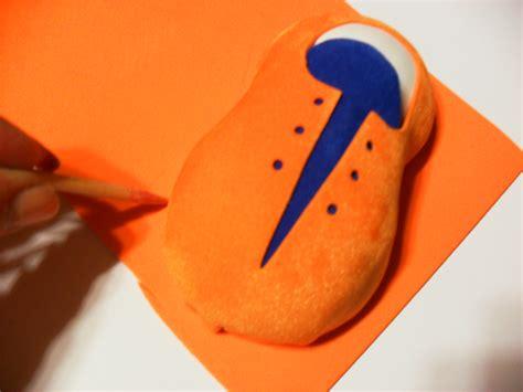 como hacer zapatos de payasos para fofucho c 243 mo hacer zapatos de payaso con goma eva imagui