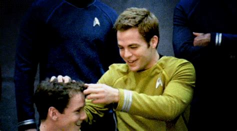 capt kirk hair home i ve come to the conclusion that chris pine has a