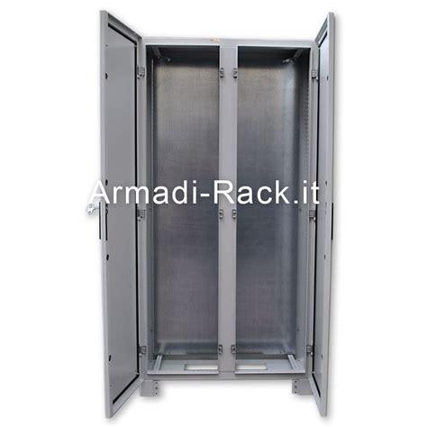 struttura porta struttura armadio porta con finestra posteriore
