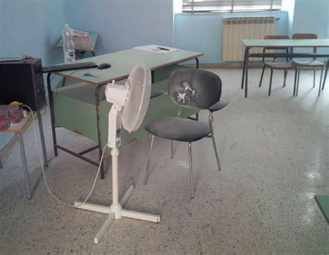 ufficio collocamento capo d orlando atti vandalici alle elementari di via roma svastiche e